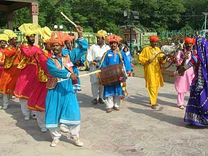 essay basant festival pakistan